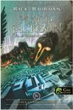 Rick Riordan - Percy Jackson és az olimposziak 4. - Csata a labirintusban (ÚJ!) - PUHA BORÍTÓS<!--span style='font-size:10px;'>(G)</span-->