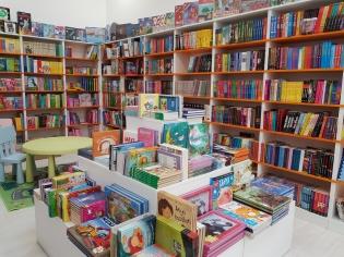 Next Stop Líra Könyvesbolt