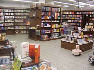 Interspar Líra Könyváruház