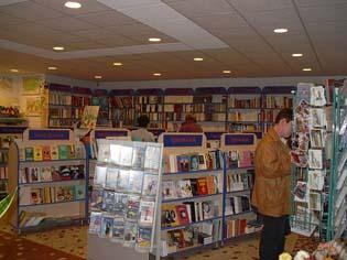 Líra Könyvesbolt