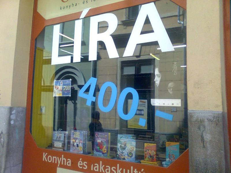 Líra könyvvásár Eger