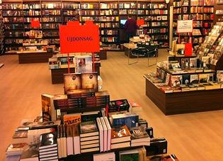 Hegyvidék Bevásárlóközpont Líra Könyváruház